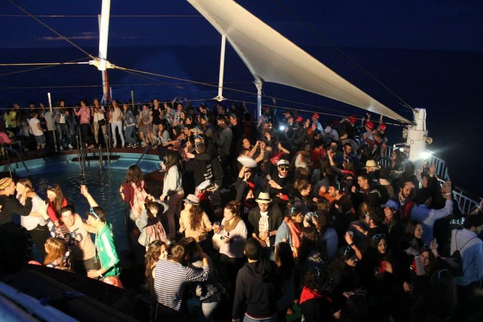 fiesta barco